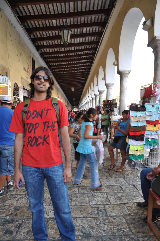 Buzzing market in Ciudad de Merida