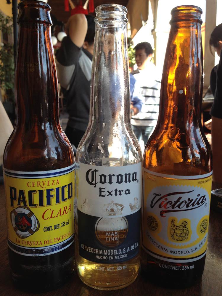 A 3-some a la Mexicana!