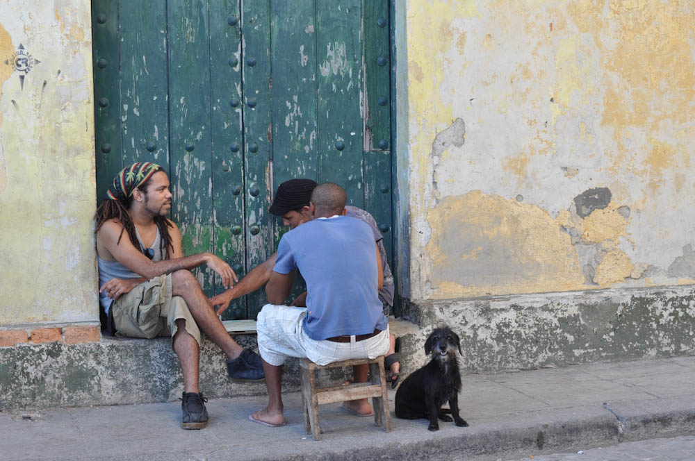 Cubans love to socialize!
