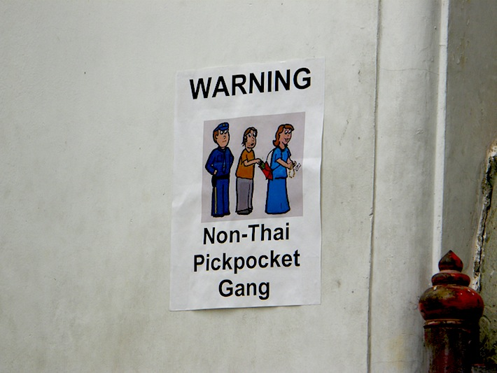 beware pickpockets Thailand