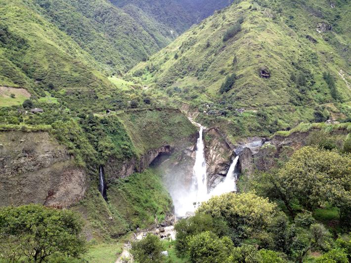 Ruta de la cascadas ecuador