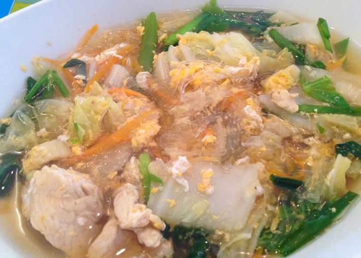 Glass noodle soup with chicken and veggies: Thai people sure know how to make a heart-warming soup!