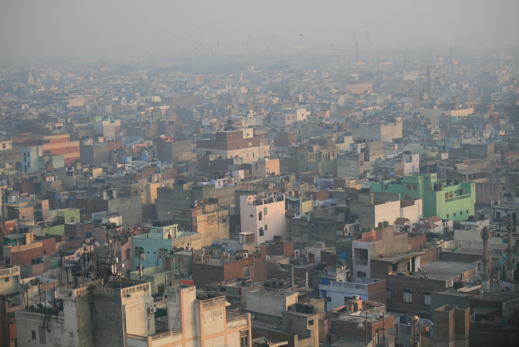 View of South Delhi on a regular day (source: http://bit.ly/17JkORq)