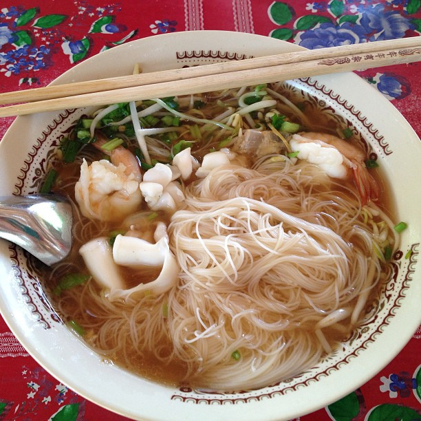 Thai rice noodle soup with seafood