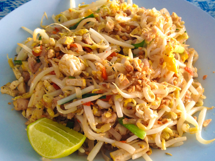 Delicious Pad Thai Gai in Chiang Mai for 25 Bhat - that is 0.76USD!!