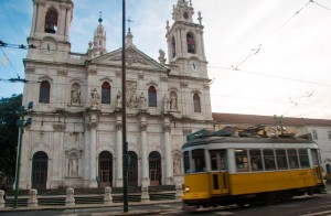 Basilica da Estrela & Tam 28 in Lisbon