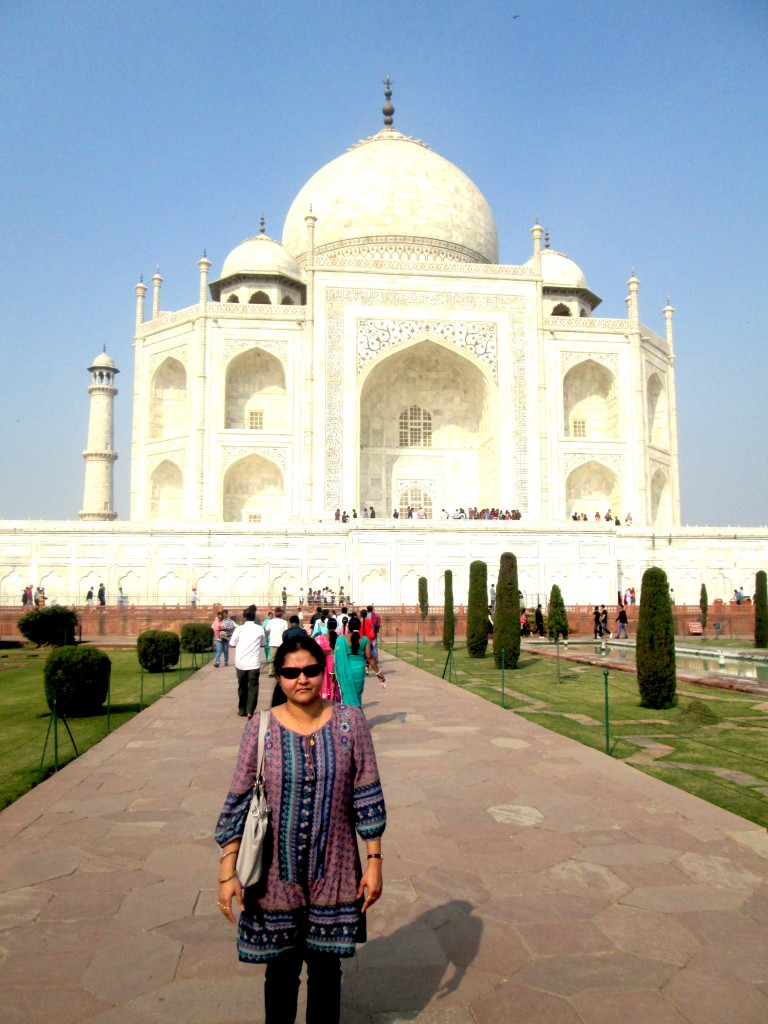 Shalu Sharma in front of the Taj Mahal