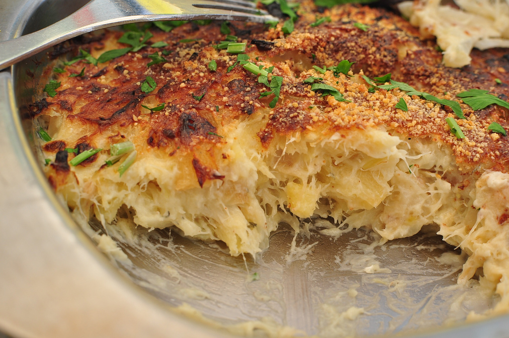 Bacalhau com Natas (photo by momoluyin on Flickr: http://bit.ly/1nayT3N)
