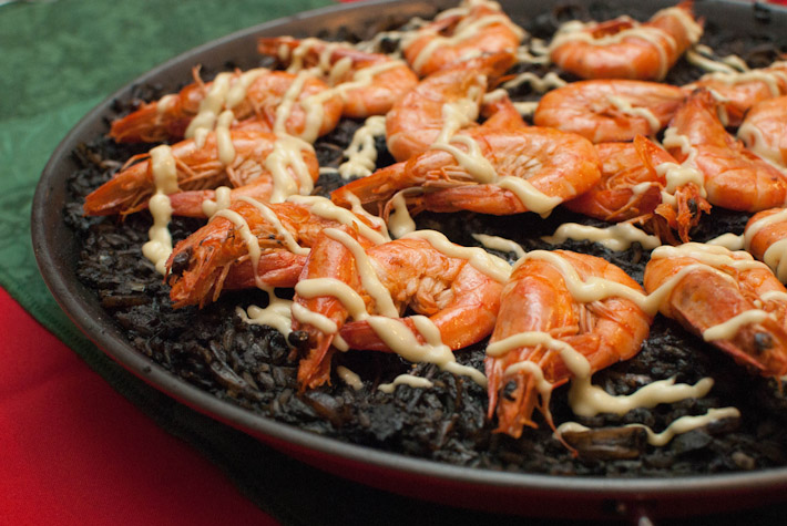 Arroz Negro. Photo by gtrwndr87 http://bit.ly/1tG8Wrx