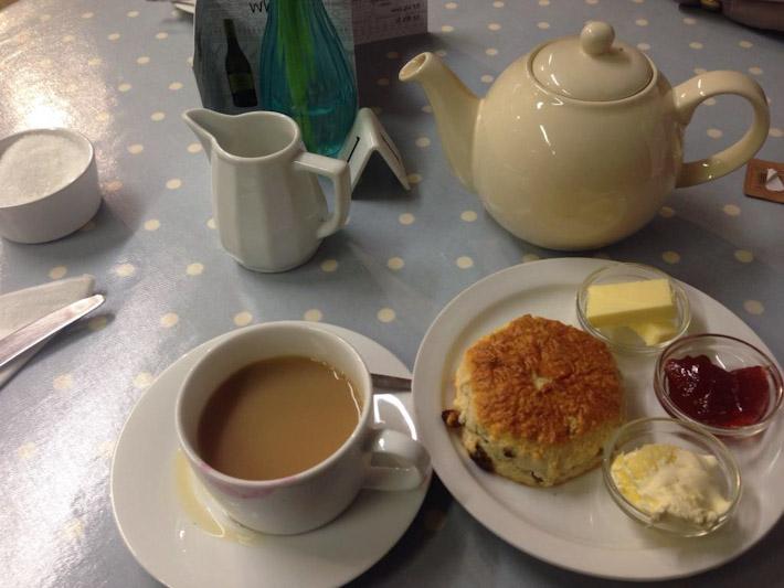 Devon Cream scones and tea