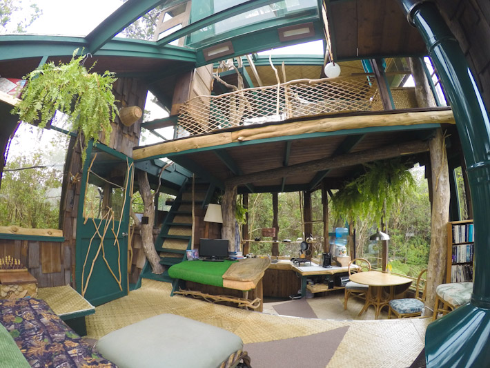 inside hawaii volcano treehouse 2 - Treehouse Masters Tree Houses Inside