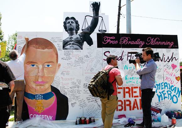 Free Bradley Manning mural, from newyorker.com