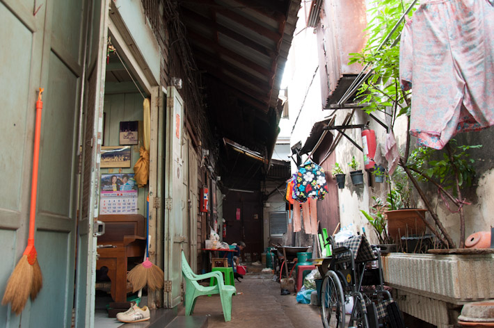 Back alleys of Bangkok