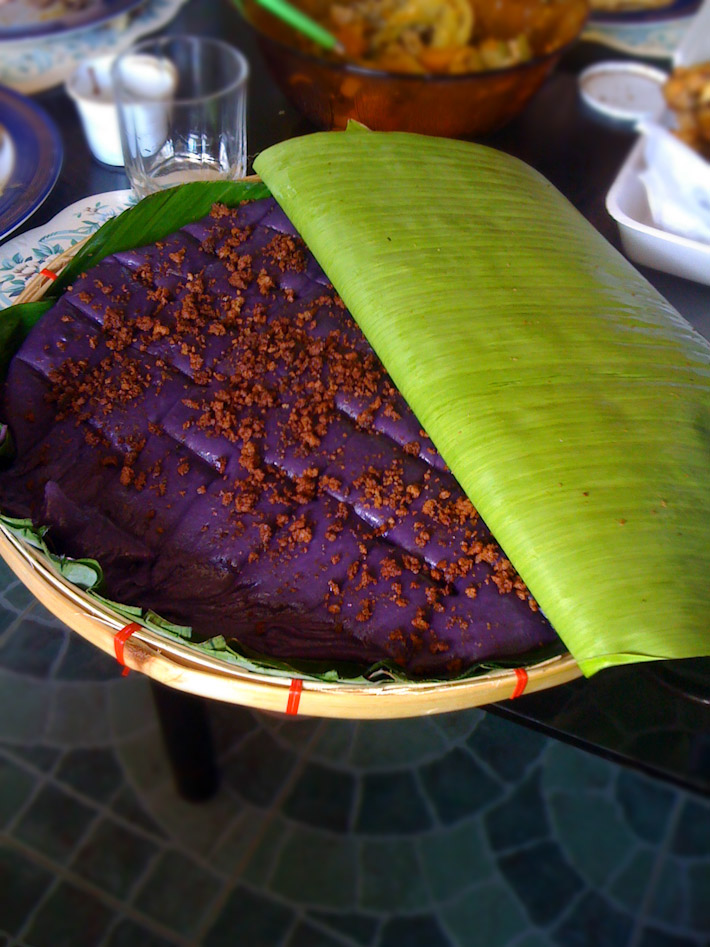 Filipino Ube dessert. Photo by Stephen Kennedy (bit.ly/1JHQ2gO)