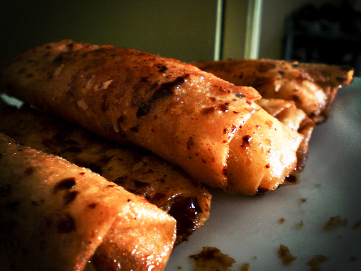 Filipino Turon. Photo by Gino Cartesiano (bit.ly/1UM4nsW)