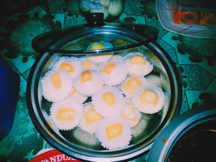 Puto: Filipino steamed rice cake