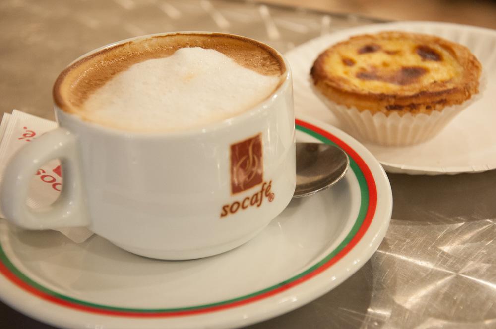 "Meia de Leite (Portuguese ""latte) and custard tart"