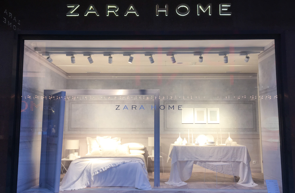 The trending color this season at Zara Home is... WHITE!!