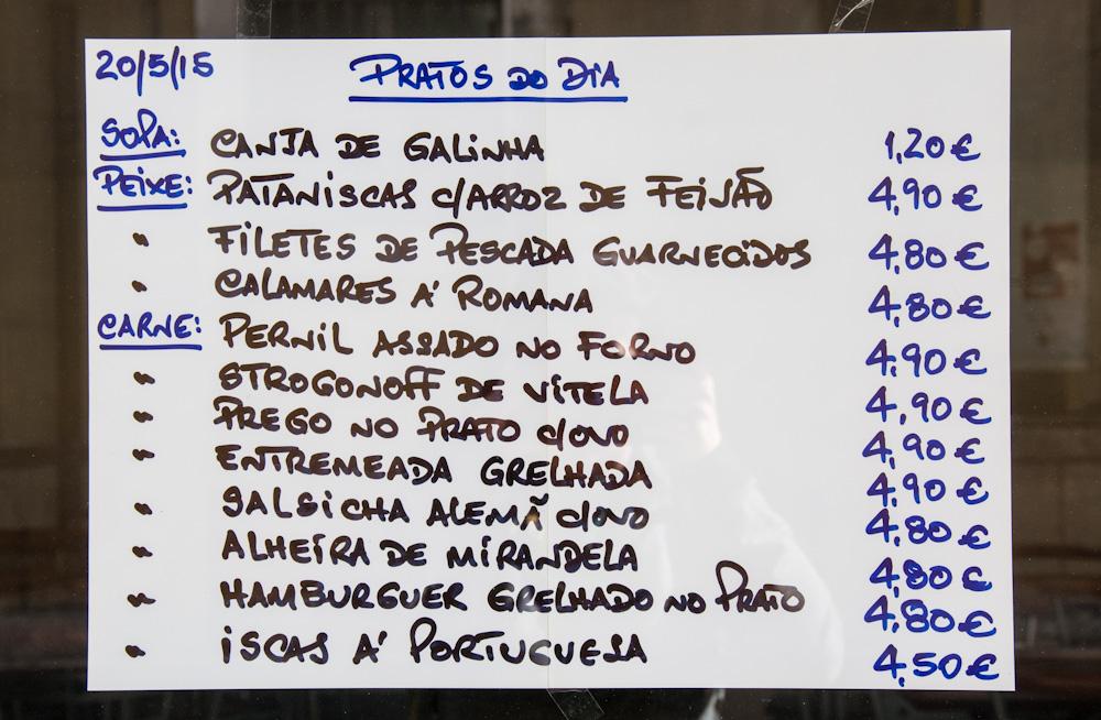 Affordable Pratos do Dia at a restaurant in Lisbon