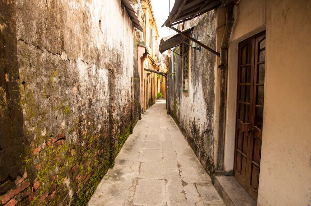 No tourists at all, even though this small street is still in the center of Hoi An