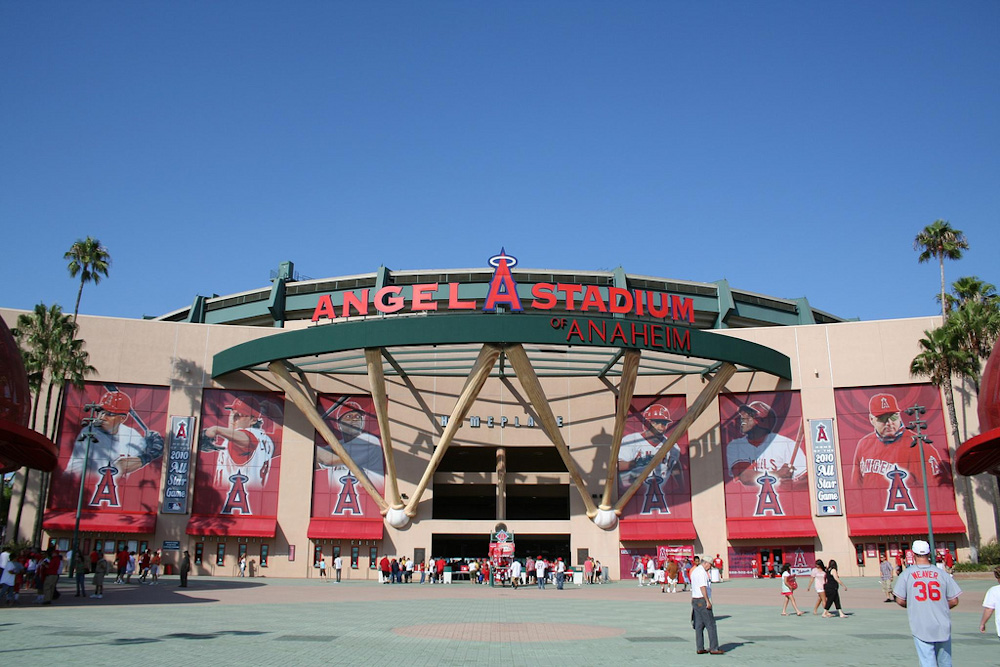 Angel Stadium of Anaheim. Photo by Matt Nunley on Flickr: http://bit.ly/2kwQrqO