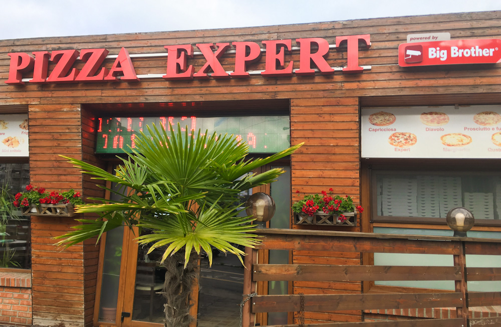 Pizza restaurant in Bucharest - powered by Big Brother!