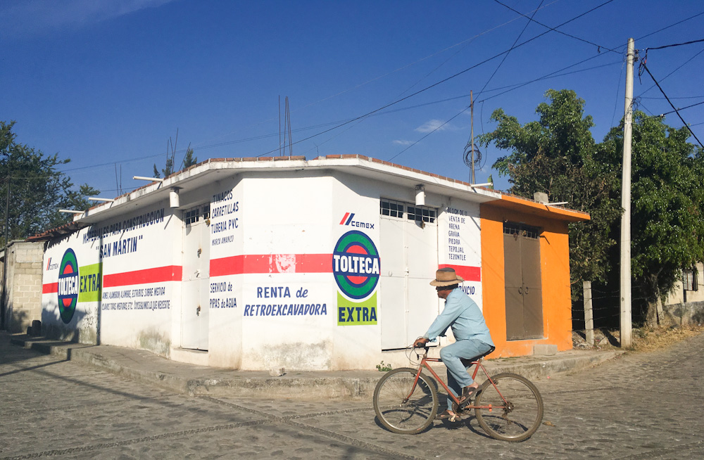 Hand-painted wall advertising in Mexico