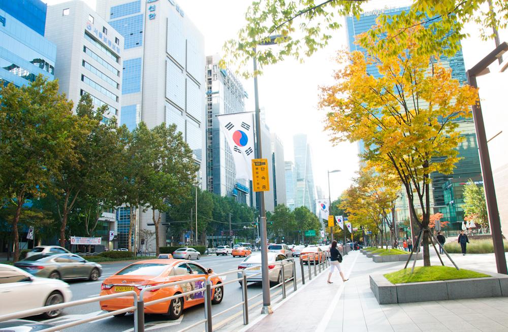 A random clean street in Seoul